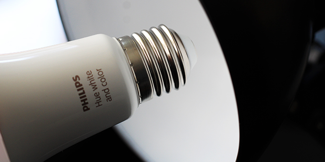 Hue E27 LED wird installiert