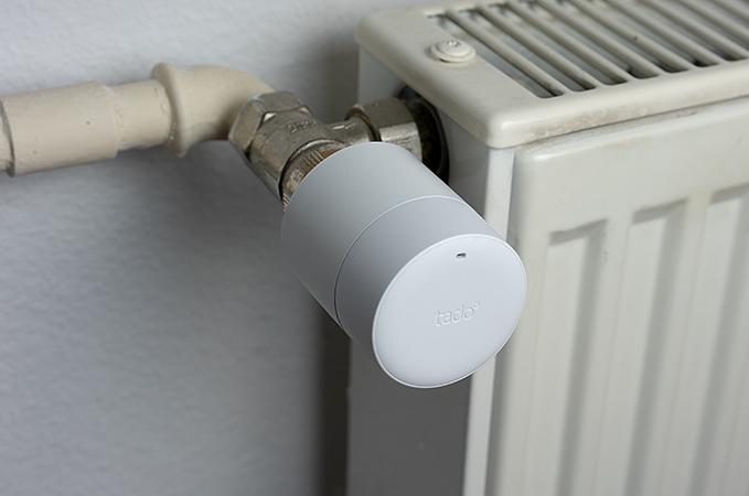 Tado Thermostat an Heizung montiert