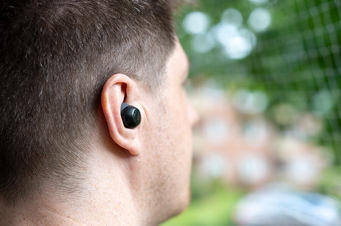 Soundcore Spirit Dot 2 beim tragen im Ohr