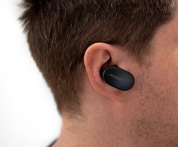 Bose QuietComfort Earbuds im Ohr