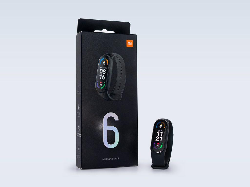 Abbildung zeigt das Xiaomi Mi Band 6 mit Verpackung