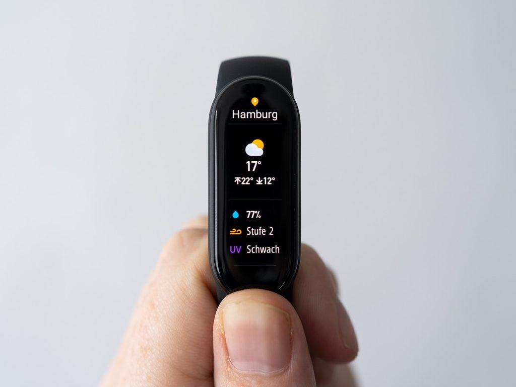Abbildung zeigt das Wetter in Hamburg auf dem Xiaomi Mi Band 6
